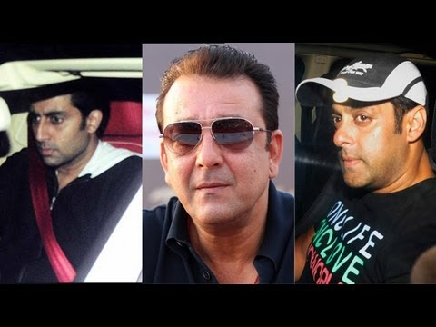 abhishek bachchan - Many Bollywood celebrities visited Sanjay Dutt's Residence as the actor will now proceed to jail for 2 Years. Salman Khan, Abhishek Bacchan, Ajay Devgn & Far...