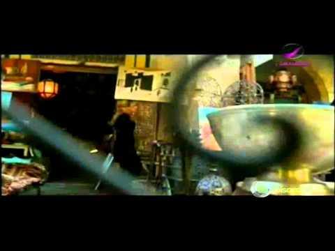 Amal Hijazi scandalise les barbus marocains avec le clip « Bi3amilni »