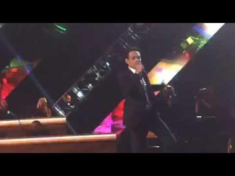 Marc Anthony canta en su homenaje a Persona del Año en Latin Grammys 2016
