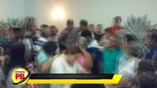 Família chora durante sepultamento do Jovem Gabriel Mangueira em Sousa