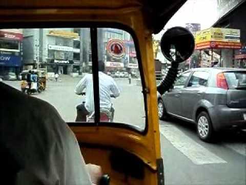 Andando de Tuk Tuk pela 1a vez em Hyderabad, India