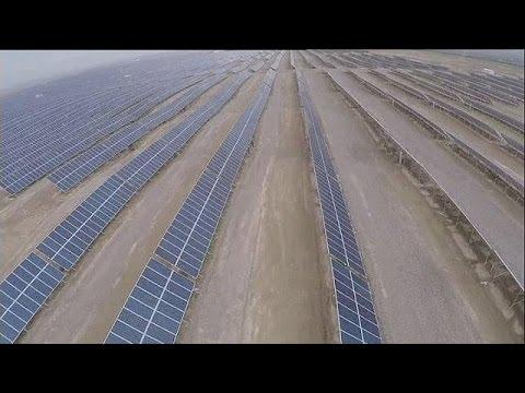 Κίνα: Ηλιακό πάρκο γίγας στην έρημο Γκόμπι – hi-tech