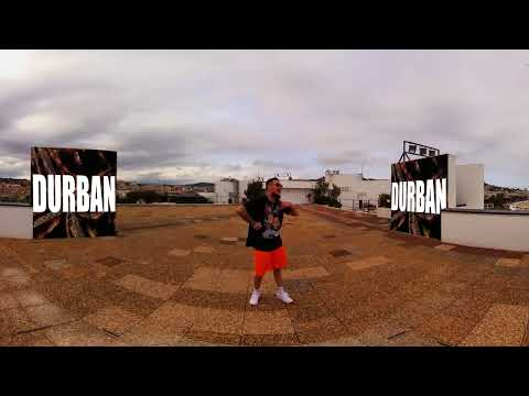 """L'artiste sud-africain AKA interprète """"The world is yours"""""""
