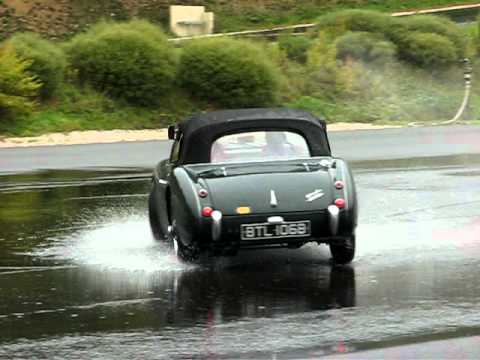 Austin Healey 3000 on the skid pan at the drivers centre