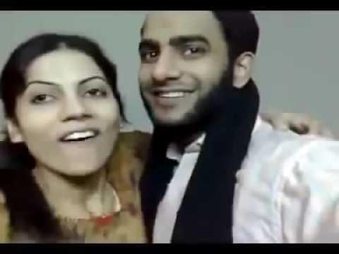 Video Desi pakistani molvi aur larki ki Kamaal Kiss download in MP3, 3GP, MP4, WEBM, AVI, FLV January 2017