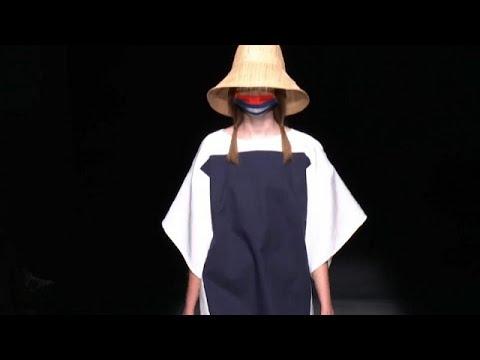 Ισπανία: Εβδομάδα μόδας με μάσκες στη Μαδρίτη