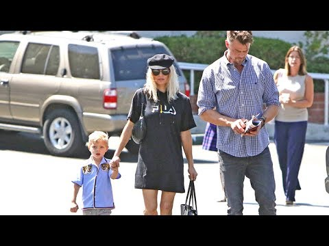 Fergie Shows Off Her Sexy Athleisure Look On Outing With Axl And Josh