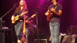 """Ingrid Michaelson and Jason Mraz singing """"You and I"""""""