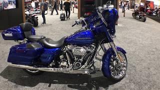 8. 2019 Harley-Davidson FLHX Street Glide First Look!