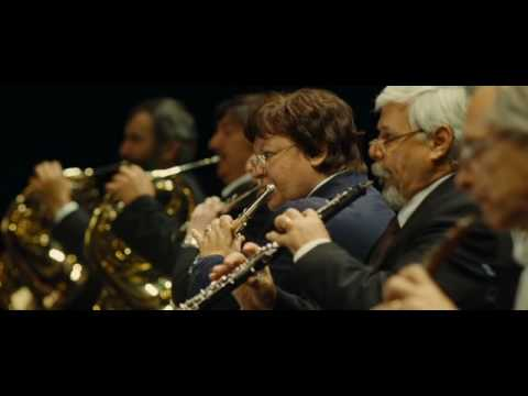 Radu Mihaileanu - Aleksei Guskov conducts his orchestra: movie's ending - theater scene & flashbacks (Pyotr Ilyich Tchaikovsky - Violin Concerto in D major, Op. 35)