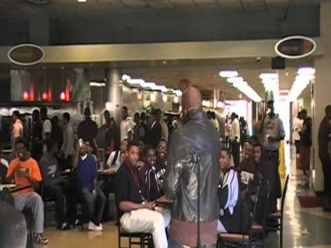 ZOOMAN GETS CRUNK @PHAT Comedy in Da Cafe :Morehouse College
