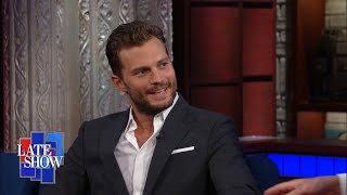 Video Jamie Dornan Switches From Sexy to Serious for Anthropoid MP3, 3GP, MP4, WEBM, AVI, FLV Januari 2018