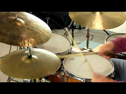 Vintage A. Zildjian 15″ New Beat Hi Hats (999 & 1427g)