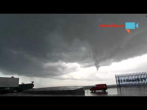 Bouřka nad Prahou 19.5.2014