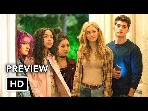 "Marvel's Runaways ""Meet the Runaways"" Featurette (HD)"