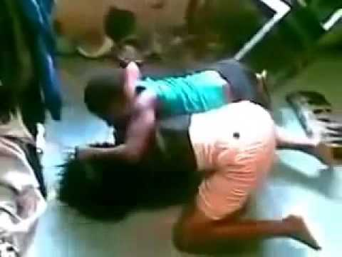 Nigerian Students Fight Over Yahooboy