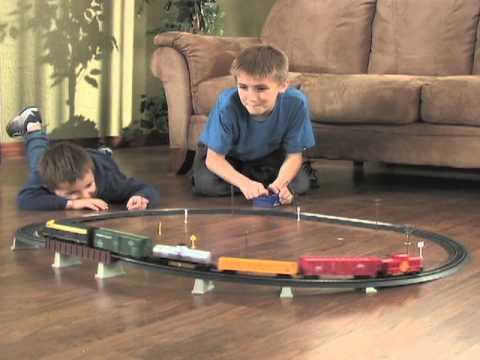 , title : '225627 - Life-Like Freight Express HO-scale Train Set'