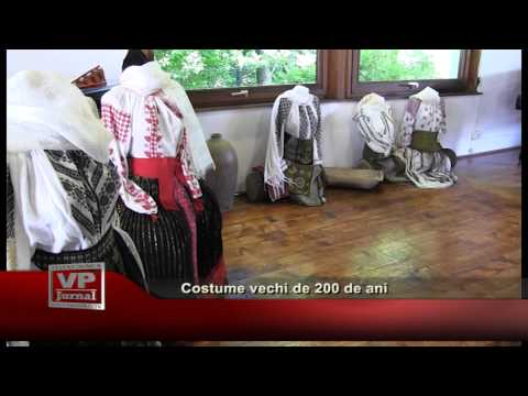 Costume vechi de 200 de ani