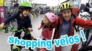 Video VLOG - SHOPPING vélos pour la famille Démo Jouets ! Quel sera le choix d'Amantine ? MP3, 3GP, MP4, WEBM, AVI, FLV September 2017