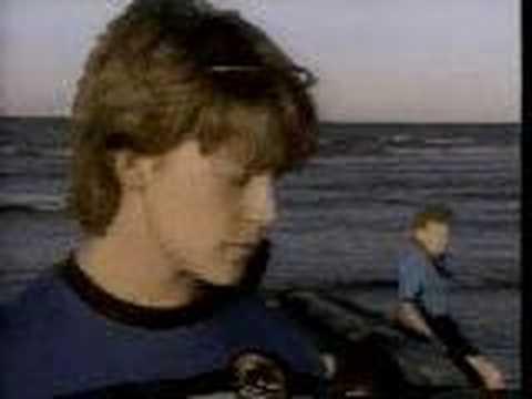 Ocean Girl clip from season 3