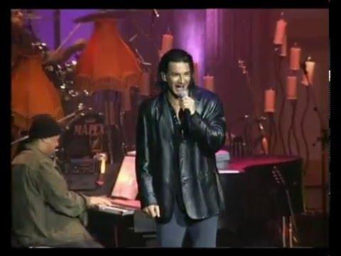 Ricardo Arjona video Ella y el - Teatro Gran Rex 2003