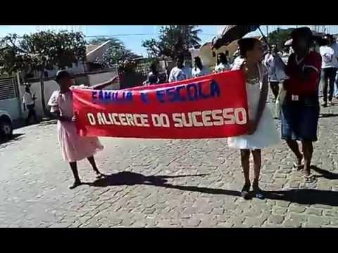 DESFILE CÍVICO DAS ESCOLAS NAVARRO DE BRITO E SENHOR DO BONFIM EM MACURURÉ BAHIA