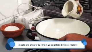 Cómo preparar merengue suizo. Part of the series: Todo Dulce. Aprende la forma más simple y rápida de preparar merengue suizo en este video gratuito. Read more: http://www.ehowenespanol.com/preparar-merengue-suizo-video_462660/
