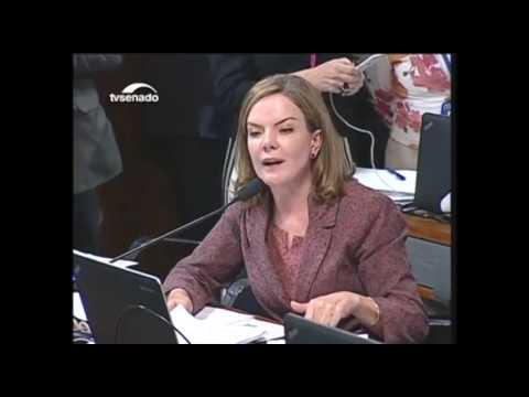 Comissão de Constituição e Justiça aprova indicação de Alexandre de Moraes para STF