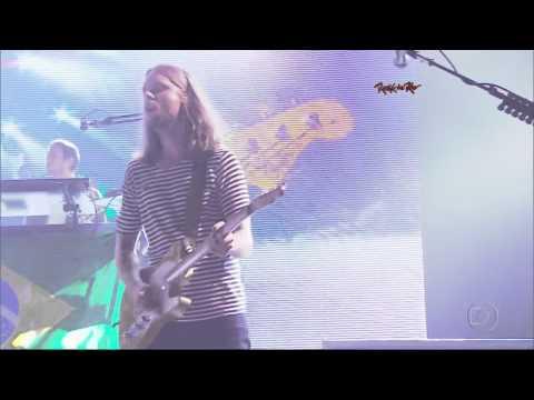Maroon 5 - Makes Me Wonder Live at Rock in Rio (HD)