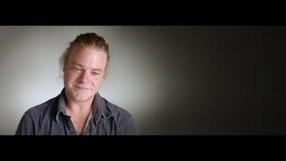 MAN-UP: een campagne die mannen uitnodigt om hun tranen niet te verdringen