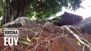 Video Strange Sumedang Karamat Tombs Can Not Be Demolished Even Using Advanced Tools MP3, 3GP, MP4, WEBM, AVI, FLV November 2018