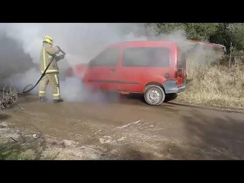 Un vehículo se prendió fuego en Piedra Blanca Arriba