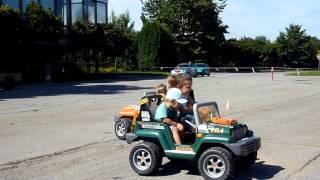 Přehrát VIDEO - Elektrická autíčka