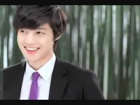[Errores durante la grabacion NG] Kim Hyun Joong  – The Face Shop CF