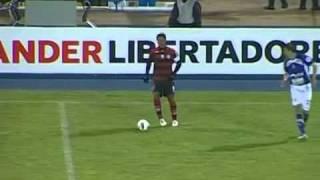 Gols de Real Potosí 2x1 Flamengo Imagens: Globo Esporte / TV Globo Gols: Luis Antonio (FLA) 29' do 1º; Centurion (POT) 32' do 1º e Brittes (POT) 12' do 2º FL...