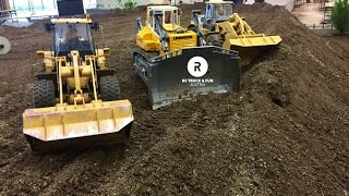 Video Construction Special !! RC Trucks, Excavator & Wheel loader Action! Wels 2017 MP3, 3GP, MP4, WEBM, AVI, FLV Juni 2018