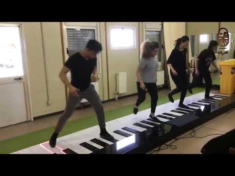 العرب اليوم - بالفيديو: عزف أغنية ديسباسيتو بشكل مختلف