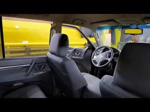 "Чехлы на Mitsubishi Pajero 4, серии ""Aurora"" - черная строчка"