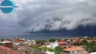 'Cloud tsunami' rolls in over Sydney