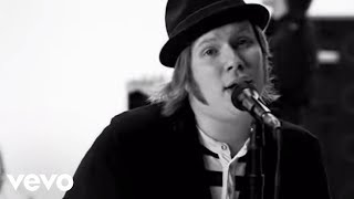 "Video Fall Out Boy - ""The Take Over, The Breaks Over"" MP3, 3GP, MP4, WEBM, AVI, FLV Juni 2018"