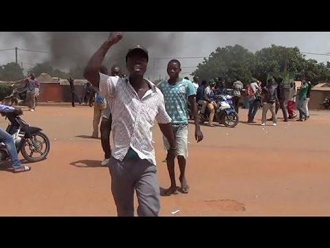 Μπουρκίνα Φάσο: Αιματηρές διαδηλώσεις μετά το πραξικόπημα