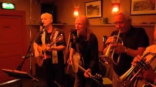 Download Lagu Endelig Mandag Band m fl live på Alexandria, Grünerløkka, Oslo, 140922 Mp3