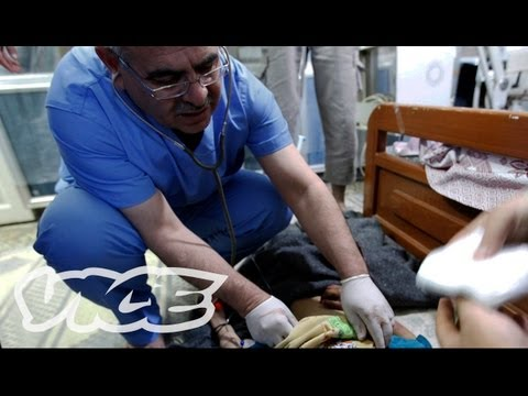 Warning: Graphic footage Syrian al-Qusayr Field Hospital 