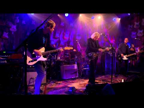 GuitarCenterTV - An exclusive clip of Joe Walsh performing