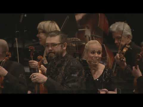 10 years anniversary - Uncutted video from EVETV of Orchestra in a Fanfest 2013 Skip annoying WUB WUB WUB 04:38 The beginning of symphony 16:22.