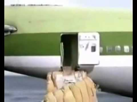 BANNED COMMERCIAL - horrible plane crash.flv