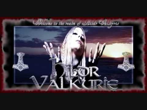 Tekst piosenki Folkearth - When the Gods Doth Return po polsku