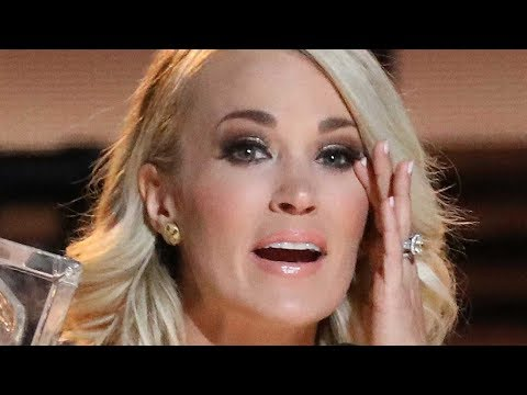 Video Carrie Underwood Spotted For The First Time Since Facial Injury download in MP3, 3GP, MP4, WEBM, AVI, FLV January 2017