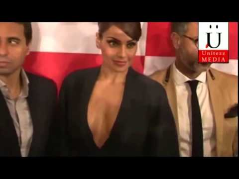 Video Bipasha Basu's Nip Slip At Lakme Fashion Show download in MP3, 3GP, MP4, WEBM, AVI, FLV January 2017