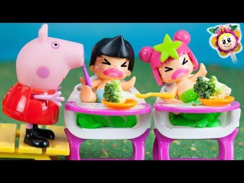 Ni PEPPA PIG ni los Pinypon bebés quieren comer verduras. Paula Pinypon prepara sushi para sus papas
